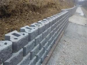 灰色挡土砖